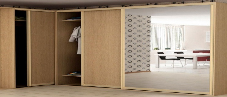 How to assemble the closet and what will turn improper assembly? recommendations made Because of its versatility wardrobe for quite a short time became a permanent resident of houses and apartments. But despite the rather cumbersome construction wardrobe quite a delicate thing. Let's start with the fact that the items are