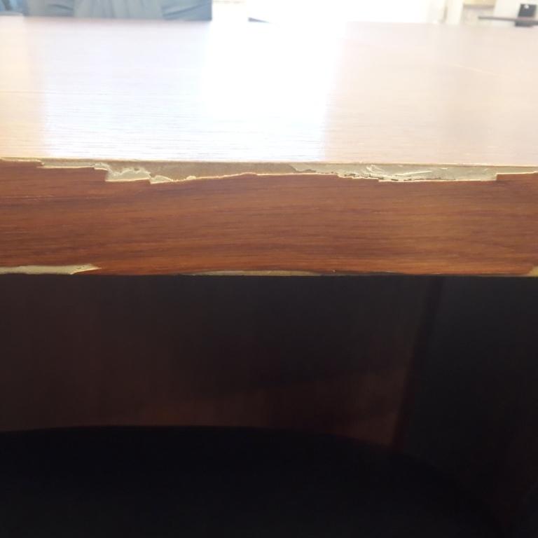 ремонт мебели в офисах и бизнес центрах